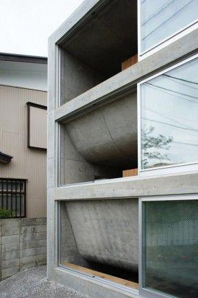 House in Zushi by Takeshi Hosaka
