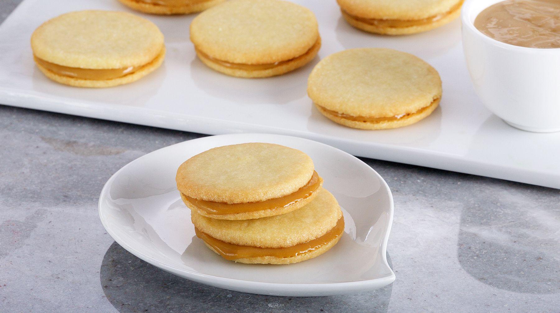 Bake with anna olson recipes coconut caramel sandwich cookies bake with anna olson recipes coconut caramel sandwich cookies asian food channel forumfinder Gallery