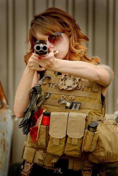 Babe with gun http://guns-and-babes.blogspot.com/