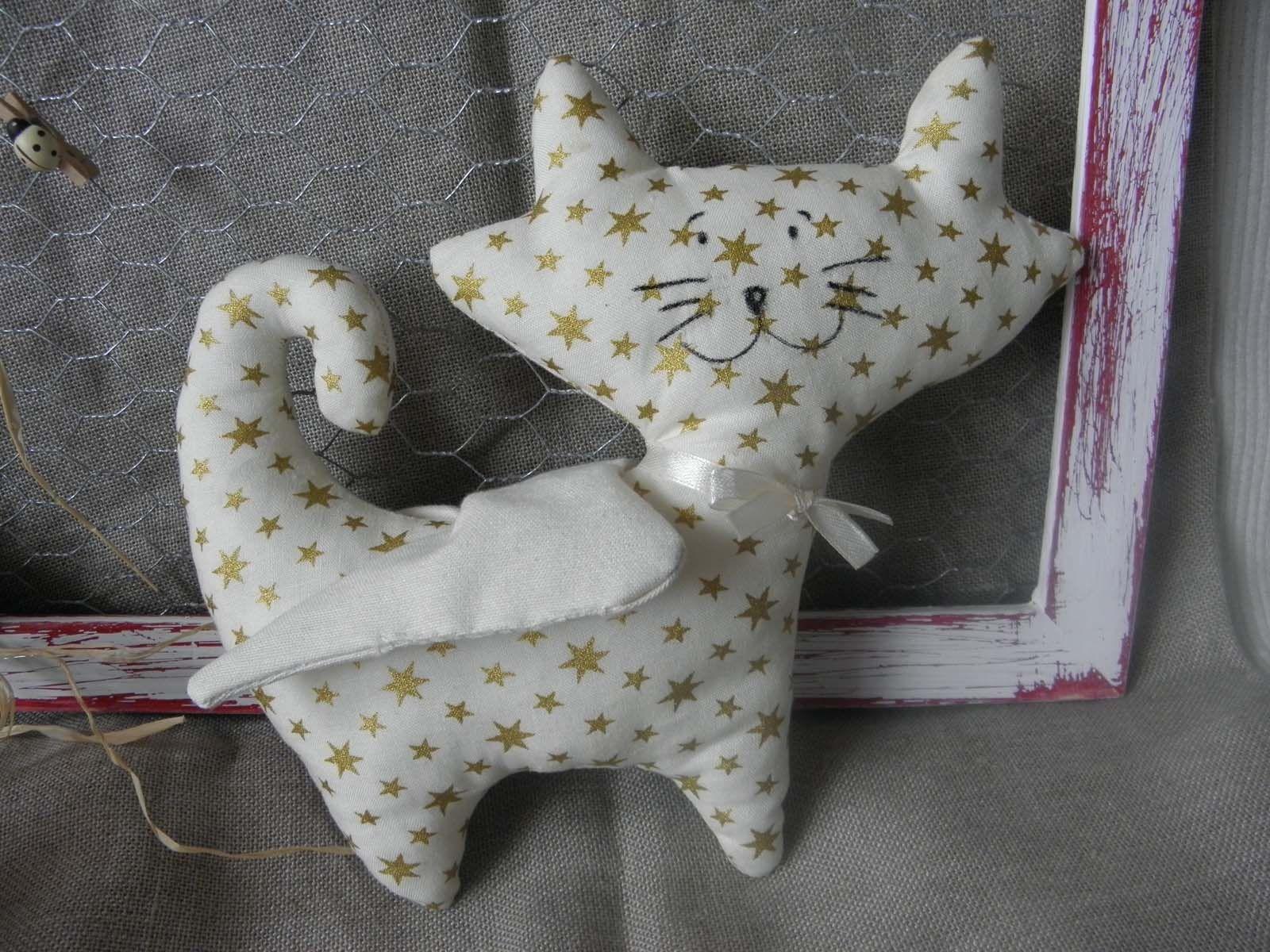 Doudou chat ailé