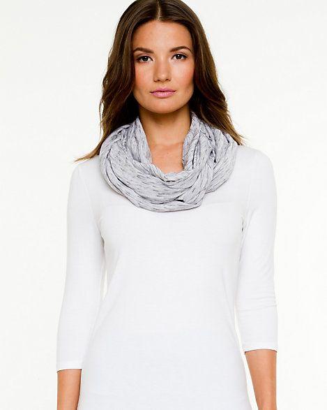 Le Château: Infinity scarf