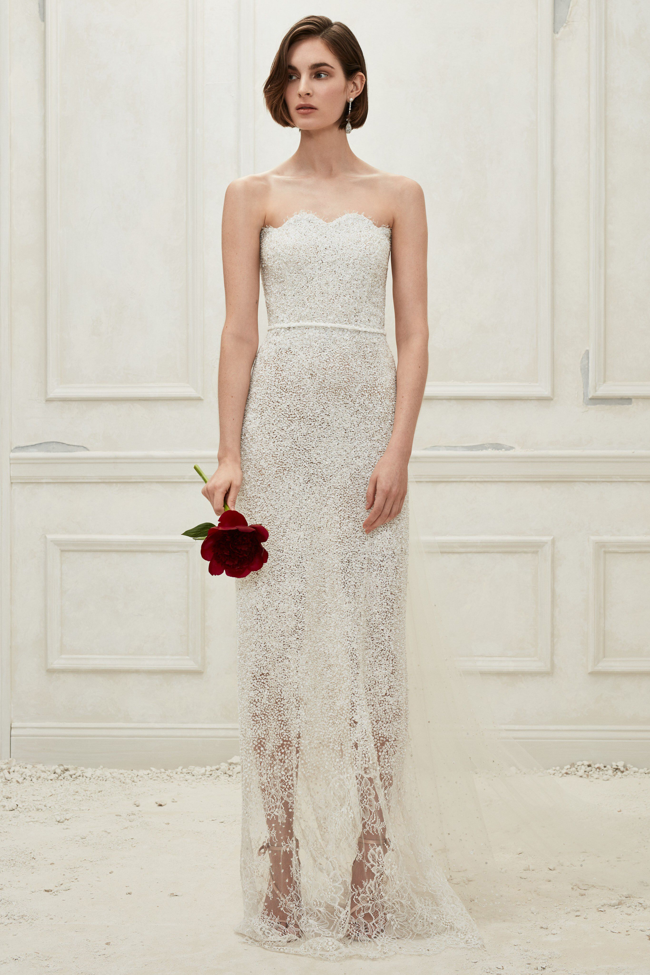 Best wedding dresses for short hair  Oscar de la Renta Fall  Bridal Fashion Show Collection See the