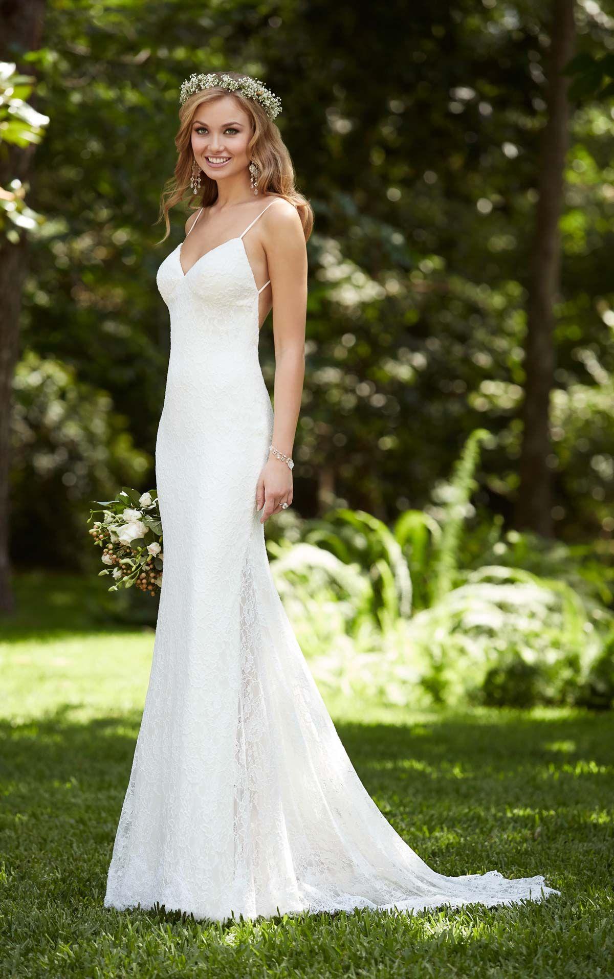 Brautkleid mit atemberaubend tiefem Rückenausschnitt