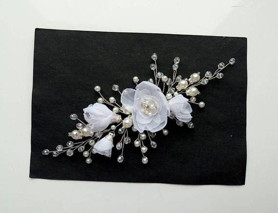 White Floral Bridal Hair Comb Bridal hairpiece Crystal hair comb Wedding headpiece Wedding he... #bridalhairpiece