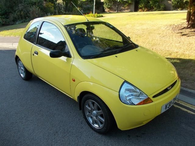 Bethany Drives An Old Ford Ka In Bright Yellow Ford Carros