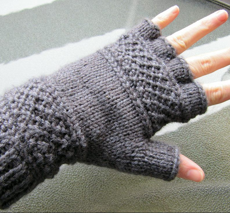 Free Knitting Pattern For Treads Tipless Gloves Knit Gloves
