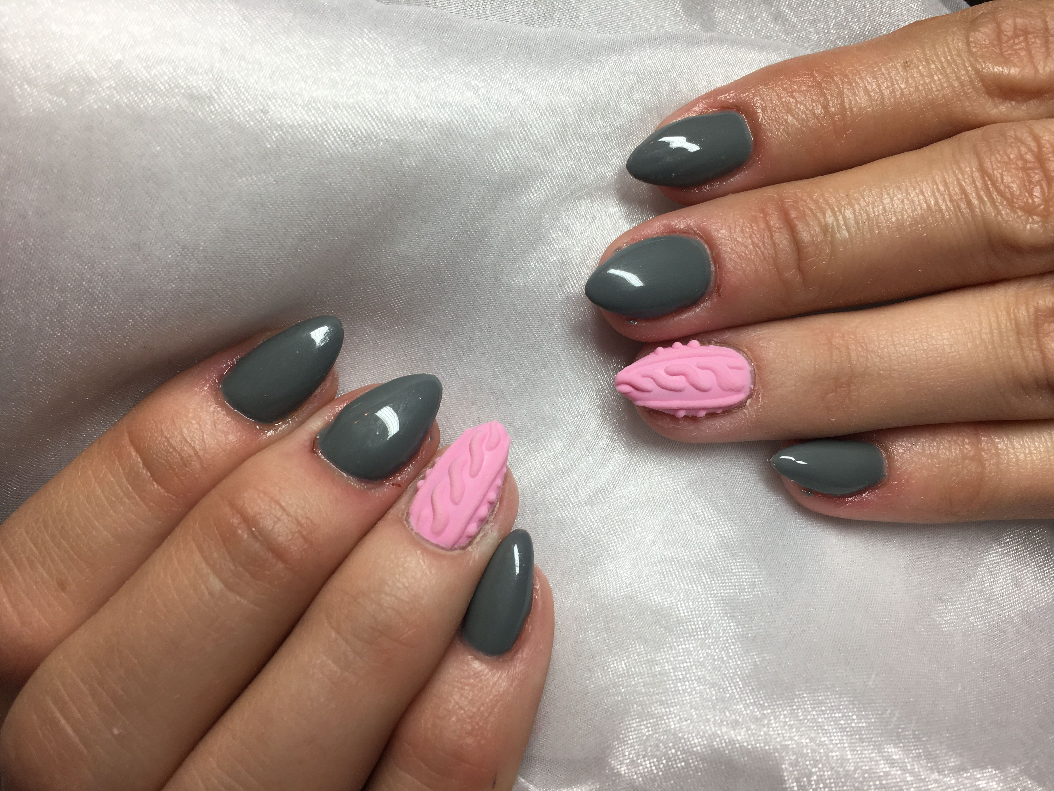 Winter nails sweater