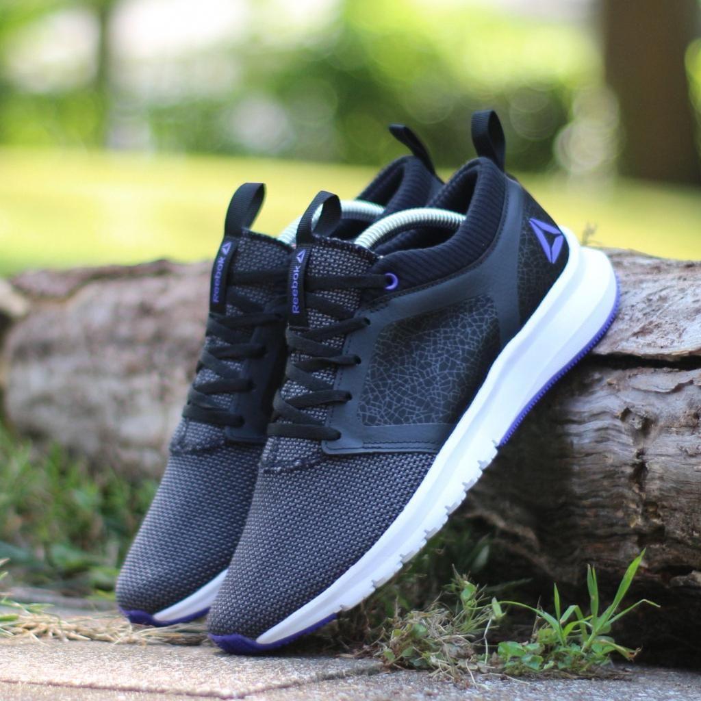 reebok black sports shoes