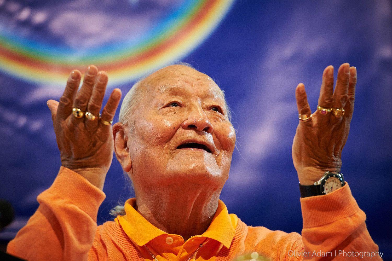 Namkhai Norbu Rinpoche, Paris, Juin 2015 | Blue lotus flower, Paris, Okay  gesture