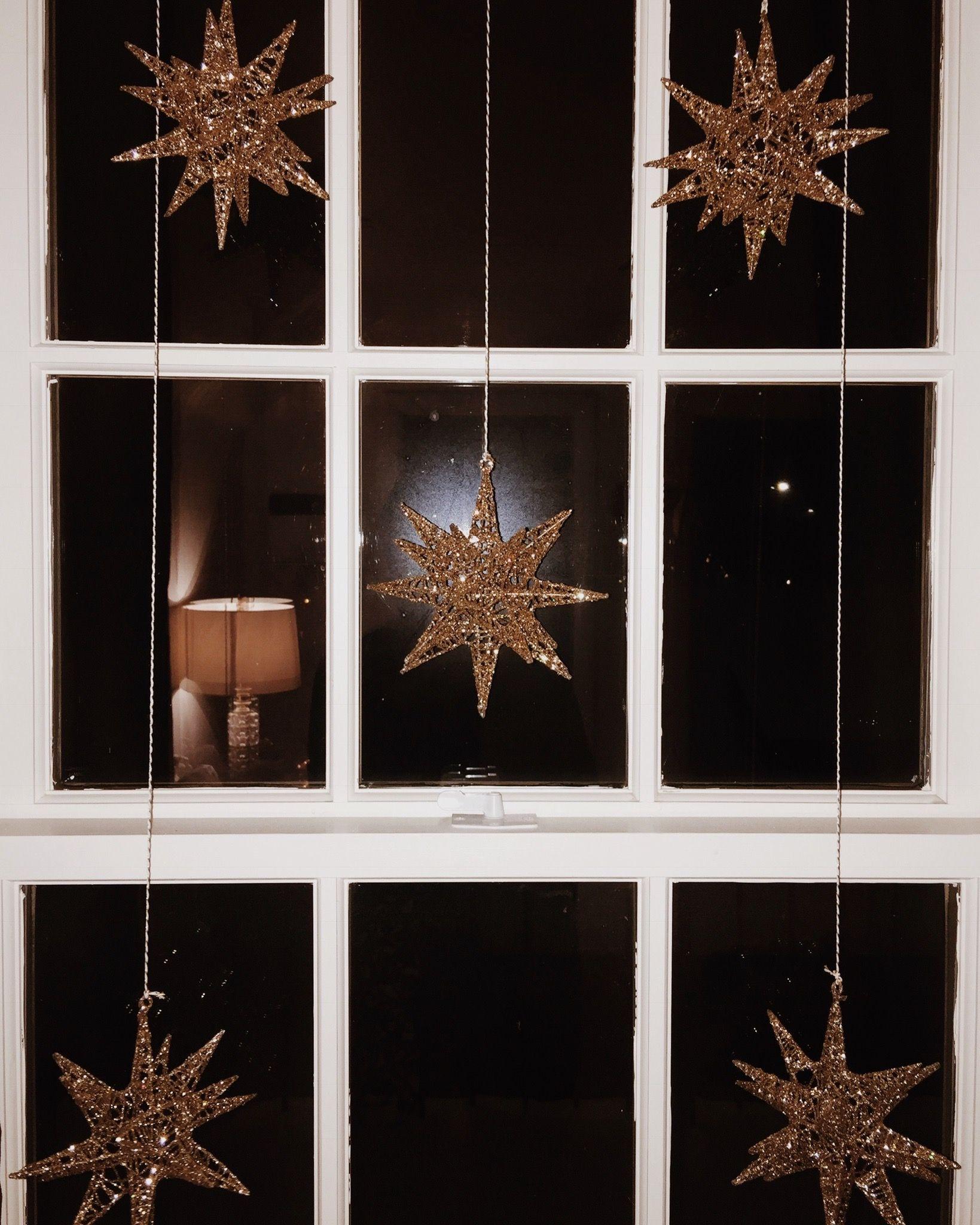 Starburst window Christmas decor