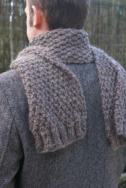 écharpe au point de blé pour l homme …   accessoires tricot   Trico… b84dec411c1