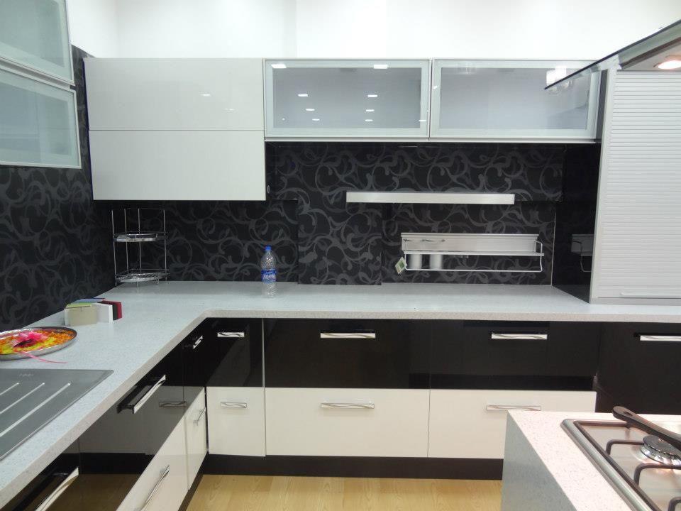 Modular Kitchen Design White Kitchen Interior White Kitchen Interior Design Kitchen Backsplash Designs
