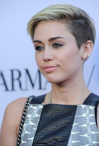 More Pics Of Miley Cyrus Short Straight Cut Haircuts Pinterest
