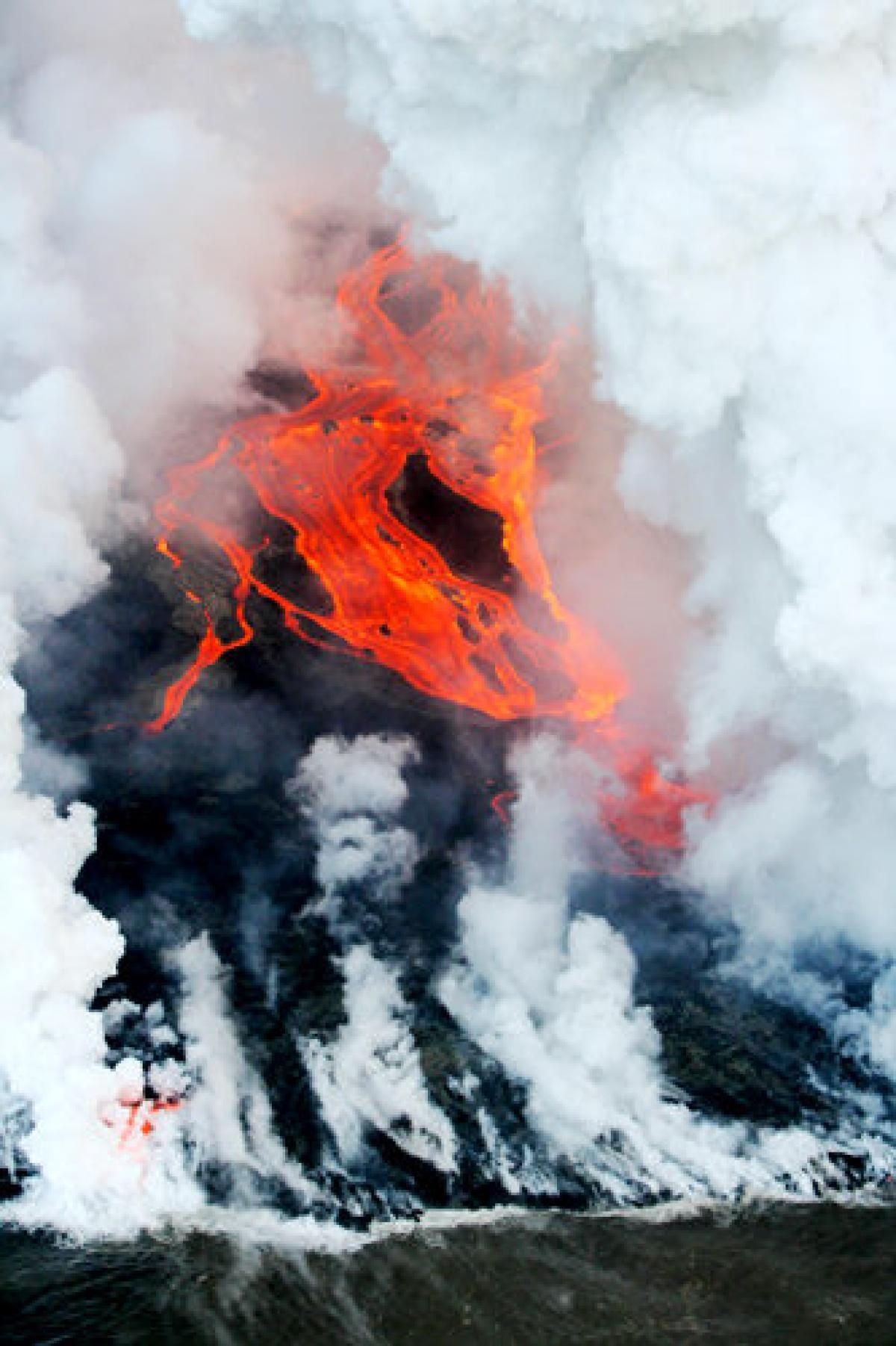 Piton De La Fournaise Volcano Photos It S Gonna Blow Volcanoes Around The World Volcano Photos Volcano World Volcano