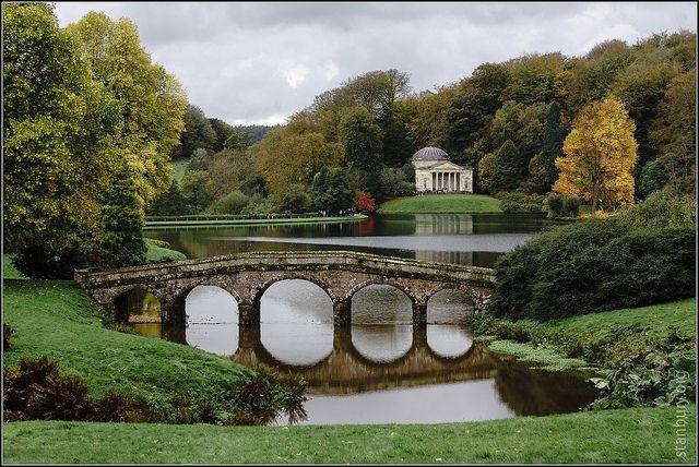 c6c1434580caac26b3105800557692db - Best Time To Visit Stourhead Gardens