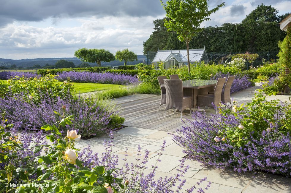 The Best Garden Designs And Landscapes Have Been Celebrated At The Sgd Awards Outdoor Landscape Design Garden Design Pictures Garden Design