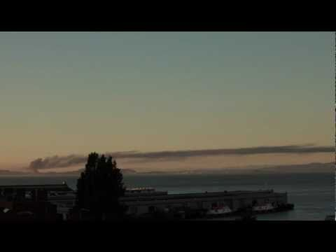 time lapse of the Chevron refinery fire as seen from Telegraph Hill via Dee Em