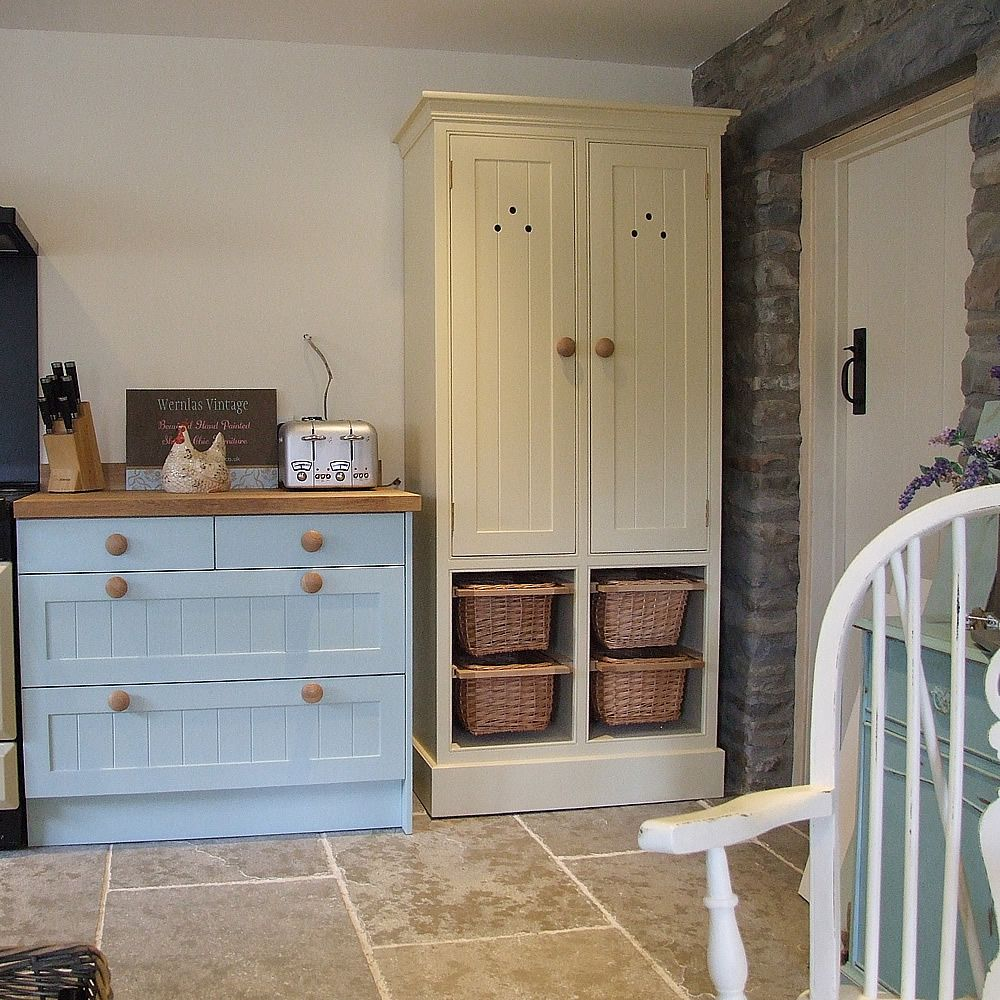 Cream Shaker Kitchen Painted Shaker Kitchen And Freestanding Larder With Tongued And