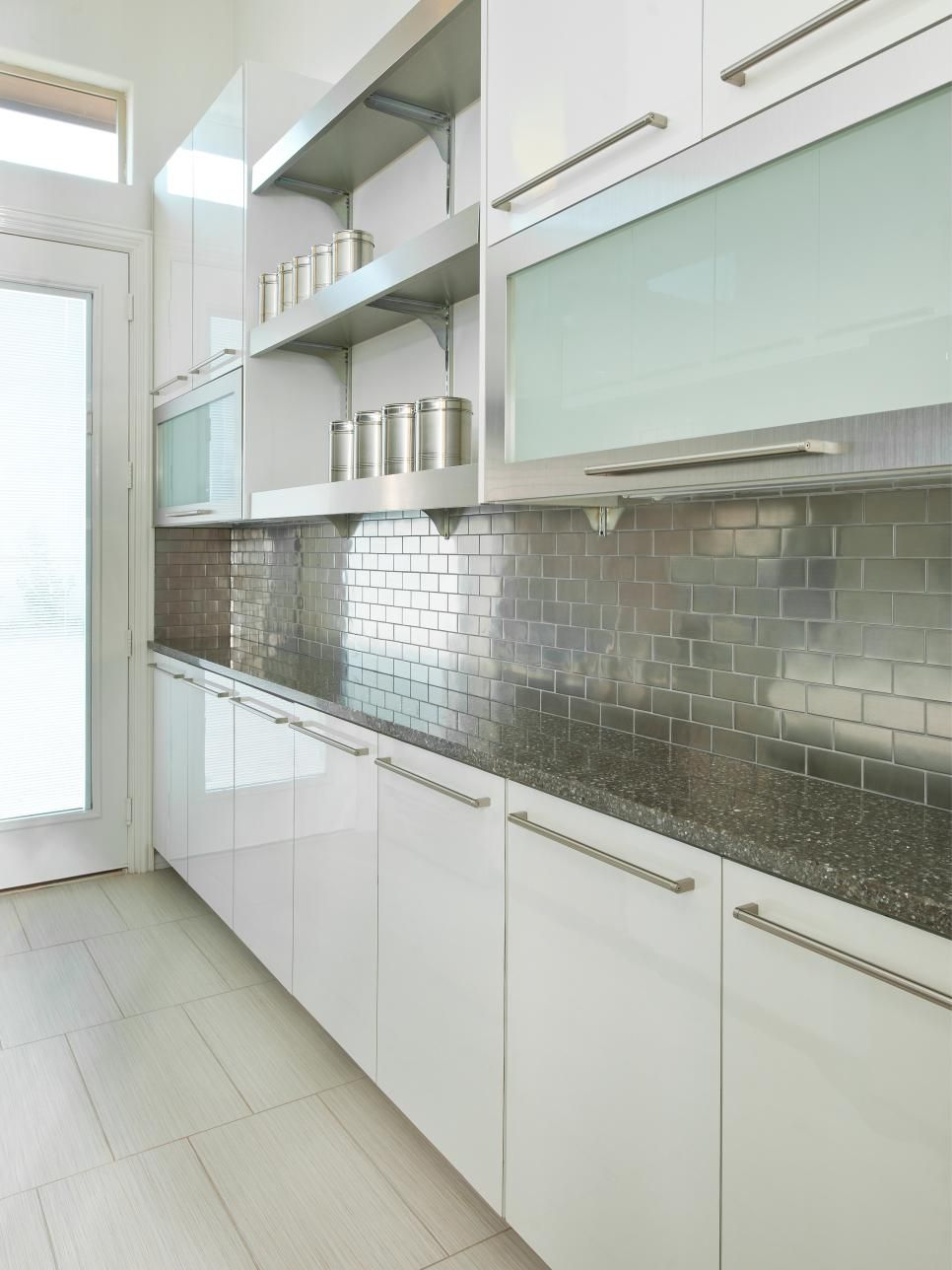 Merveilleux 15 Ways To Modernize Your Homeu0027s Style. Subway Tile BacksplashKitchen ...