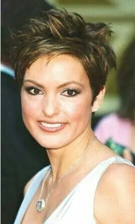 Mariska Hargitay Short Hair Short Choppy Haircuts Choppy Hair Choppy Haircuts