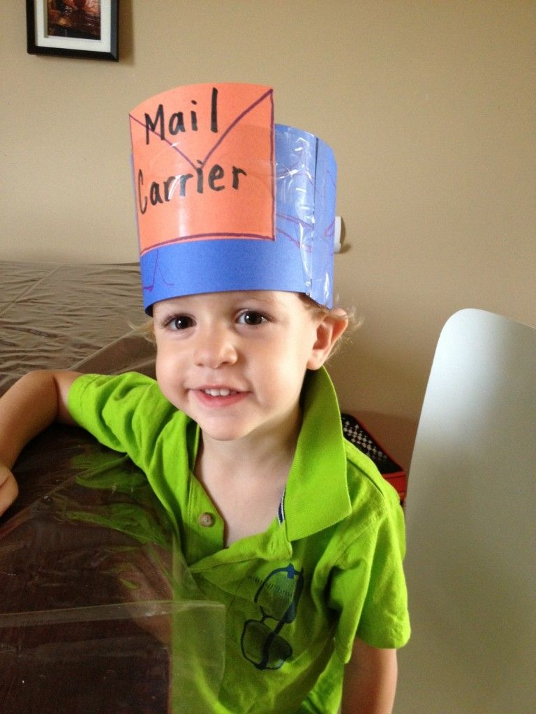 How adorable is this DIY postman hat     You could even use it during  Valentines  week and put a heart on it! 4224947bb272