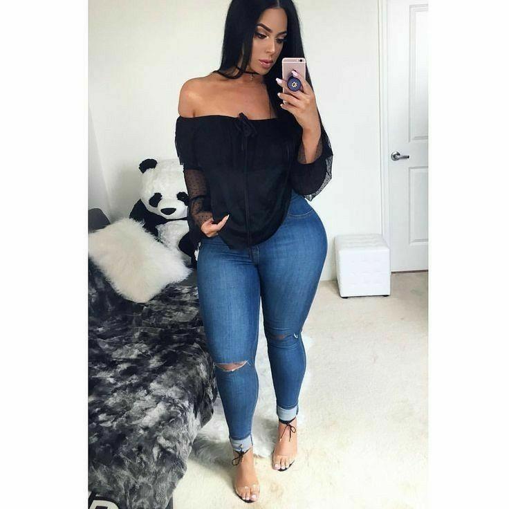 f35e69768 Sexy Jeans, Denim Fashion, Curvy Fashion, Fashion Outfits, Womens Fashion,  Fashion