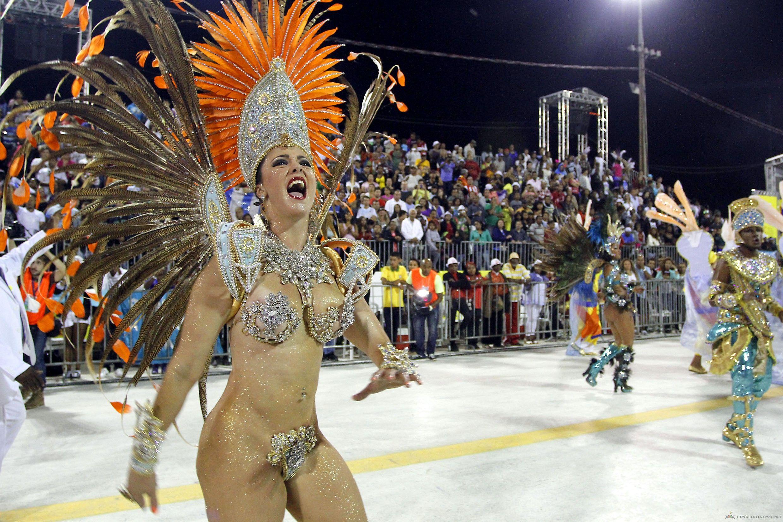 braziliya-karnaval-otkrovenniy-porno-zheni-dlya-vseh