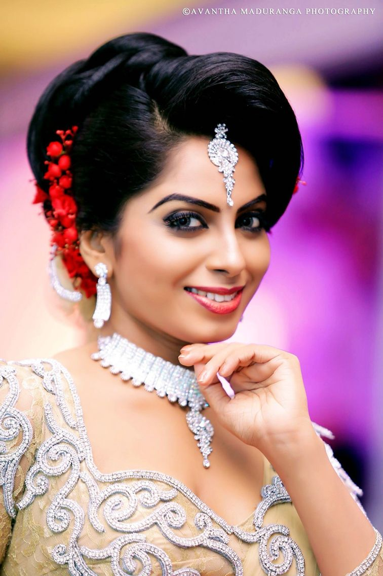 Modern Kandyan Sri Lankan Bride Beautiful Brides Sri