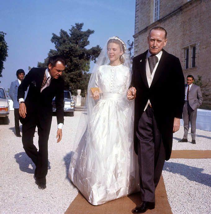 Llegada De La Novia Con Su Padre El Duque Foulques De Sabran