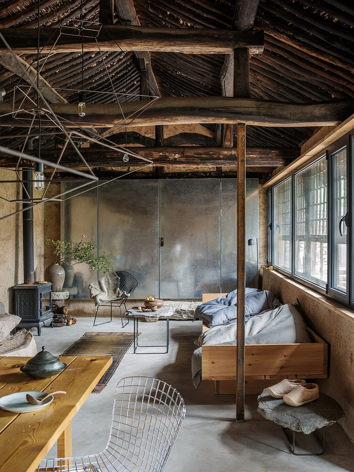 Studio Cottage Giving Abandoned Rural Homes An Aesthetic New Life Amenagement Interieur Decoration Interieure Moderne Maison