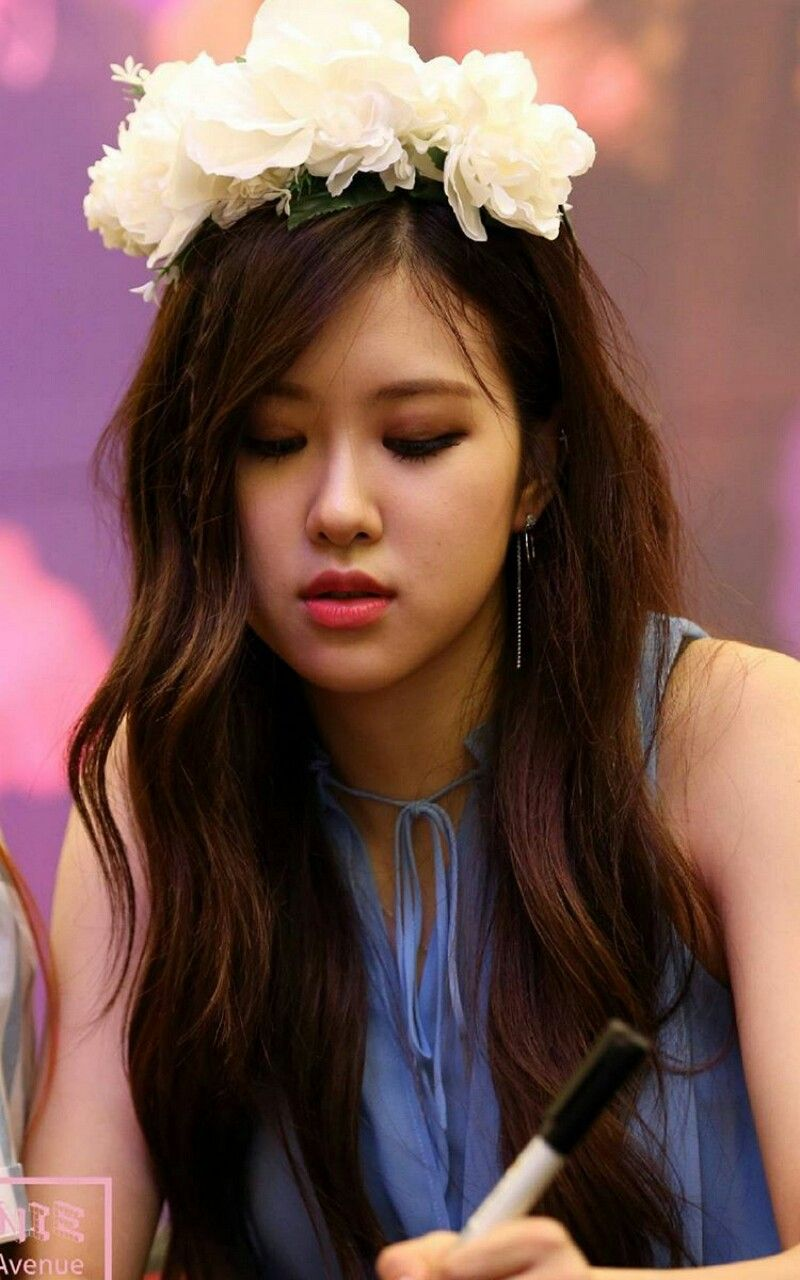 Rose Is So Cute And Beautiful Blackpink Pinterest