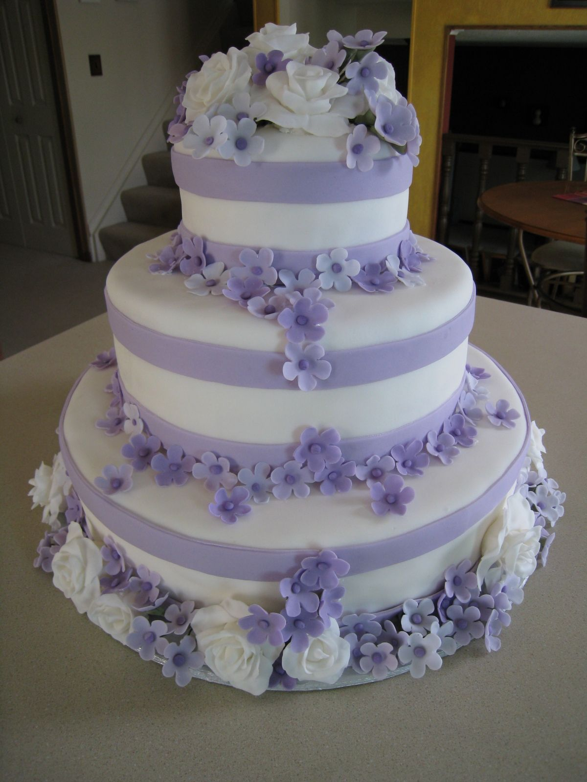 wedding cake designs lavender lilac wedding cake shades of purple lilac 22484