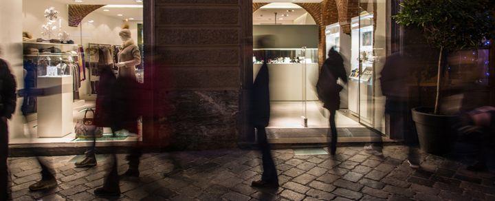 F.B. Aurum store by Leonardo Macheda, Aosta   Italy store design