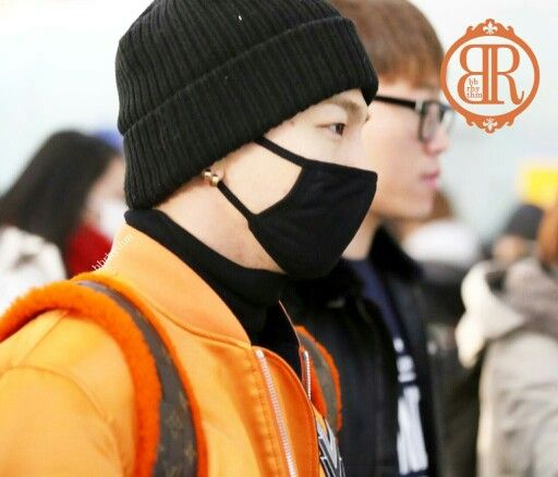Taeyang and Seungri @ Incheon Airport to Fukuoka