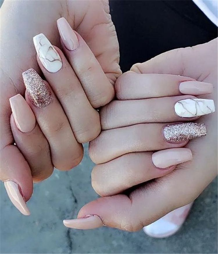 50 Trendy Winter Acrylic Glitter Coffin Nail Designs For The