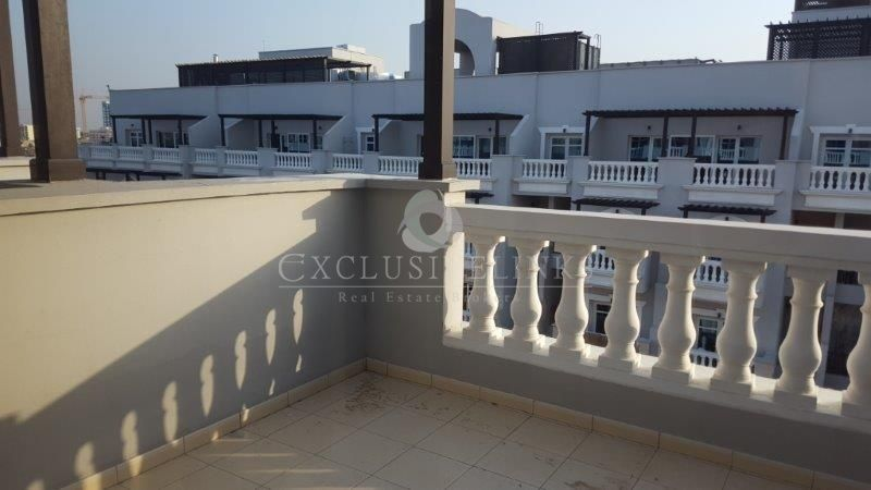 Excellent opportunity to buy vacant 2 bed apartment in Dubai