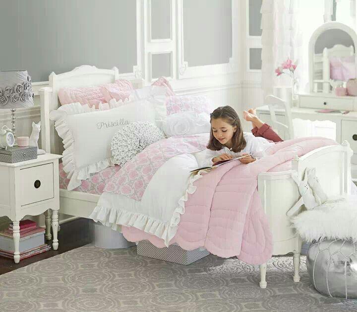 Romantic Living Room Ideas For Feminine Young Ladies Casa: Beautiful Little Girls Room. Pottery Barn Kids