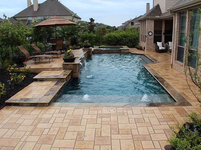 Contemporary Swimming Pool Design For Side Yard