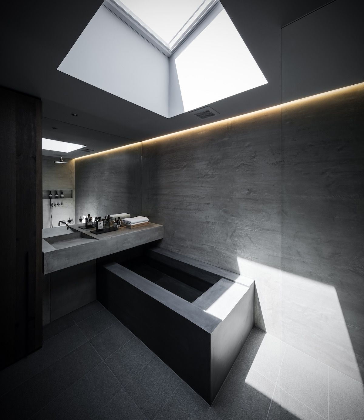 F Residence Minimalissimo Japanese House Japanese Modern House Modern Cabin Interior