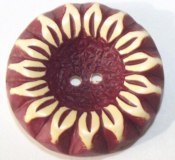 Vintage buffed celluloid button Sunflower Motif