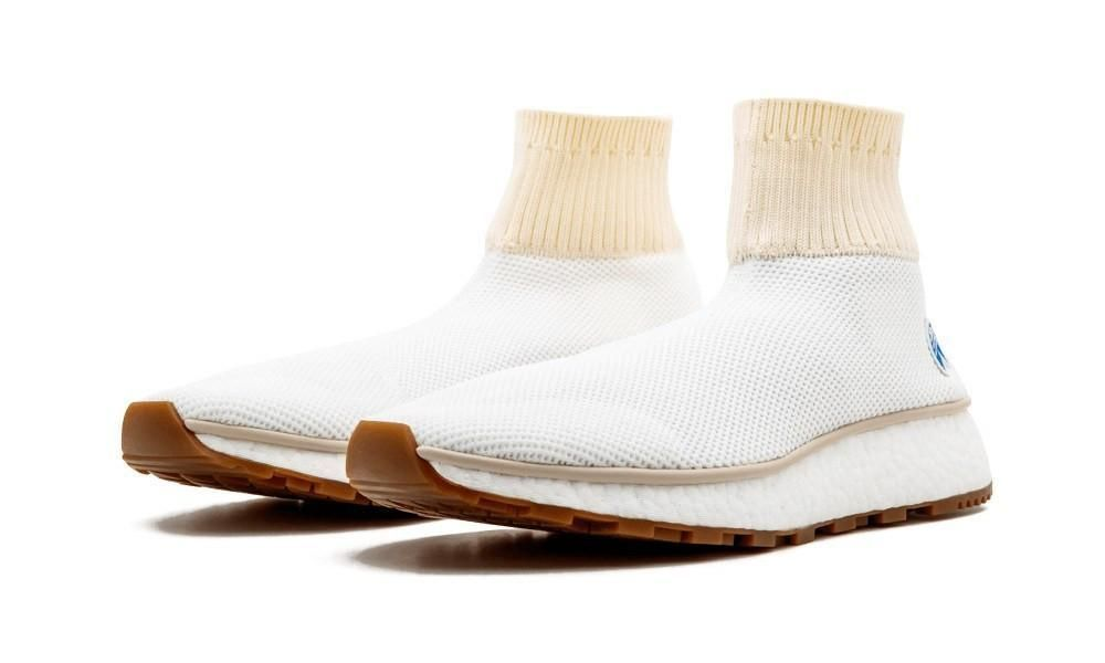 the latest ecbd0 85dec Alexander Wang x adidas AW Run Clean