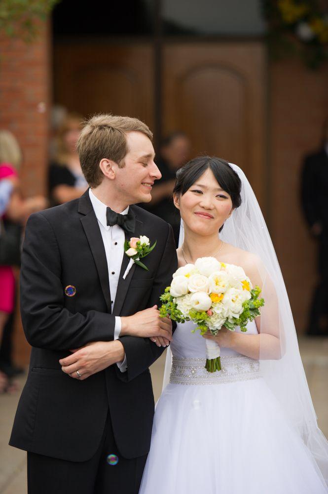 The Bride Groom Wedding Bride White Bouquet