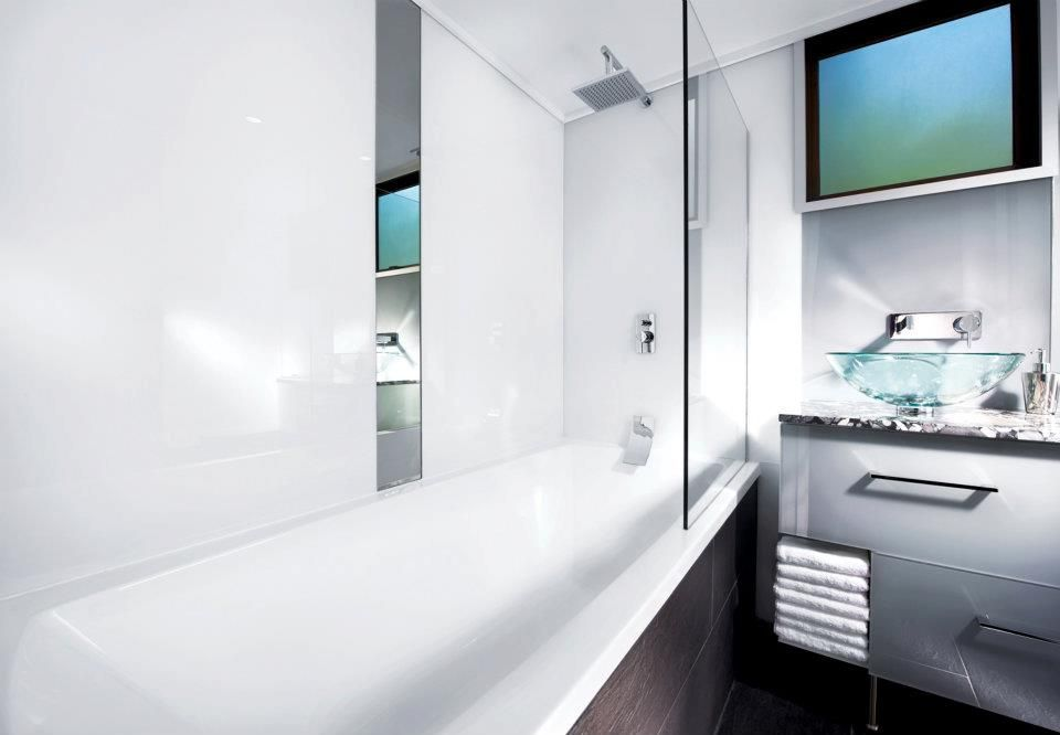 Project Files Alternatives To Solid Surface Shower Walls Blue Ridge Home Improvement Lustrolite Walls Shower Panels Ideal Bathrooms White Paneling