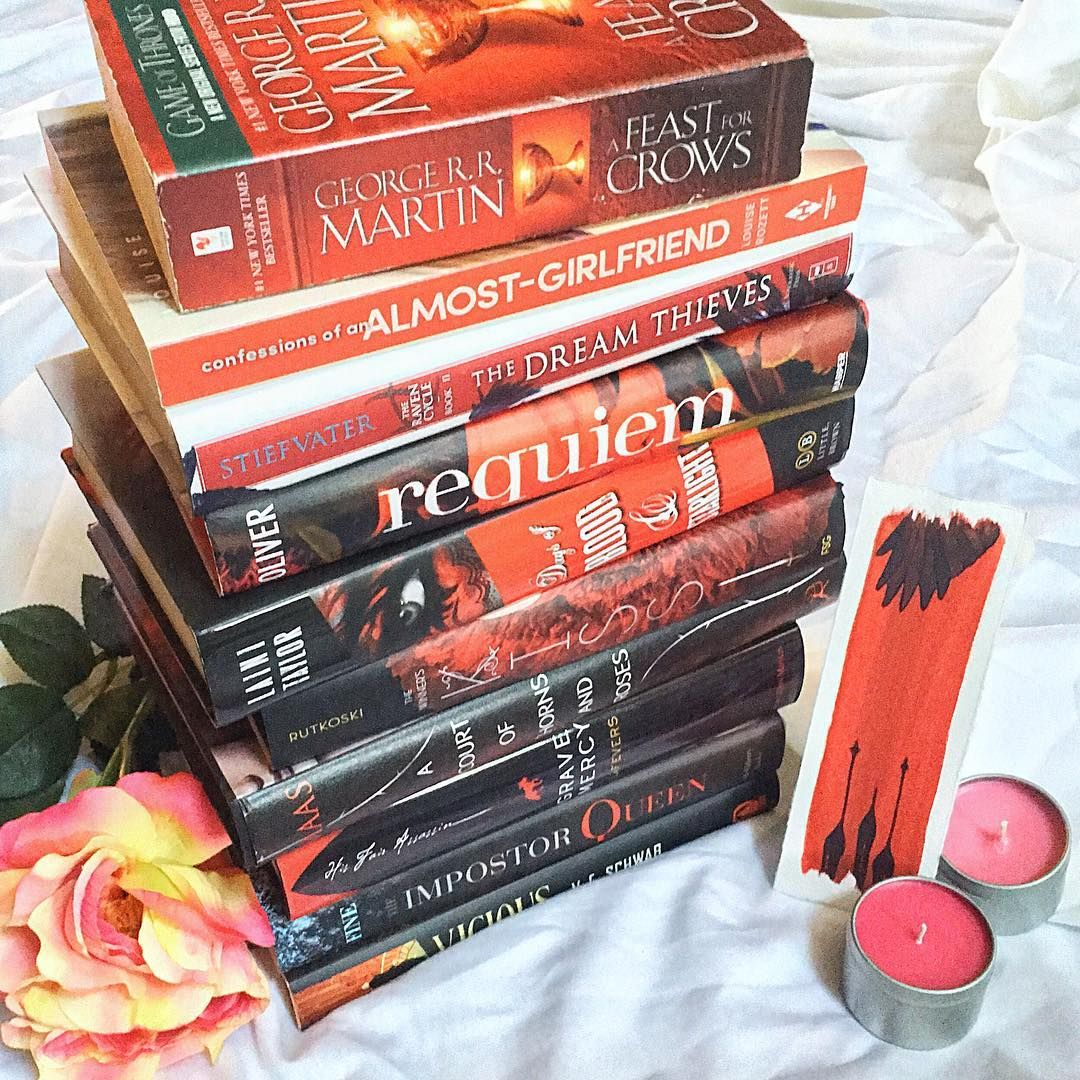 "9w bookaddictsguide#weeklybookstagram | Fade to Black The #weeklybookstagram theme is ""fade to black"" so I chose to fade from red to black since I knew I had a lot of good potentials! It just so happens that tons of my favorite series also fit here ❤️ See any favorites?"