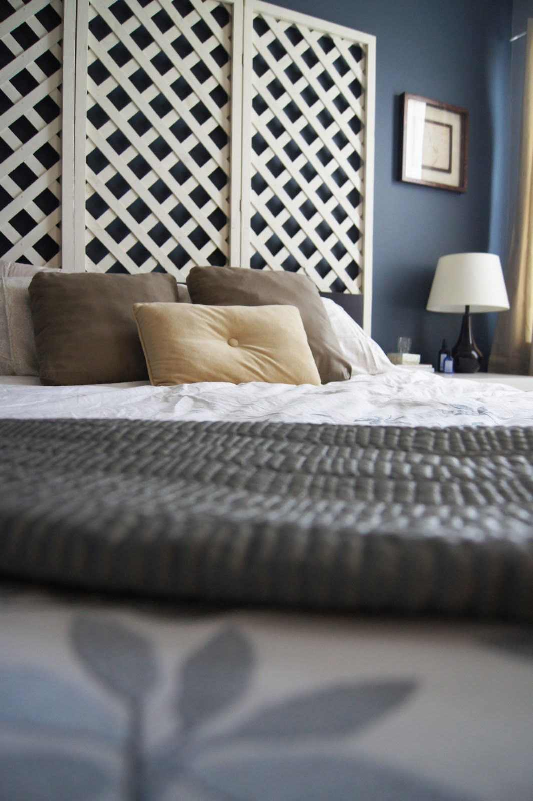 Lattice Headboard Totally Off My Line Of Thought But I Am In Love With This Lattice Headboard Bedroom Decor Home Decor
