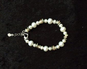 Free shipping within US-6.5 inch long white freshwater pearl bracelet with 3 colors of shells and heart shape clasp