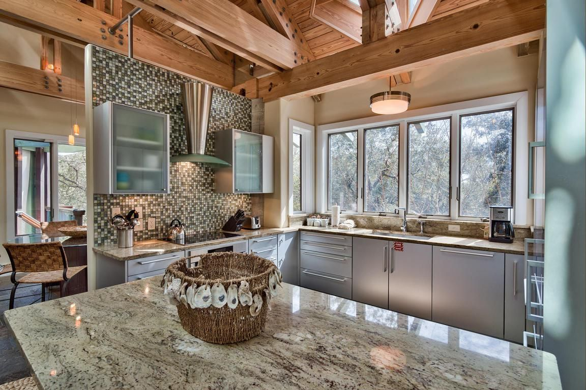 The Gourmet Open Kitchen And Adjoining Sun Filled Dining Area Provide The  Perfect Location For Intimate