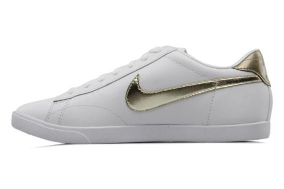 timeless design aa00b e9803 Baskets Wmns nike racquette leather Nike vue gauche