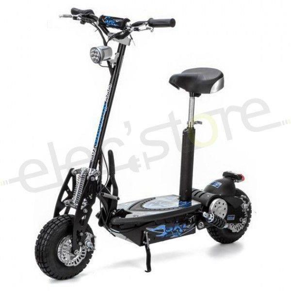 La SXT1000 Turbo, une trottinette chinoise bas de gamme. /// SXT1000 Turbo electric scooter, a low-cost chinese model.