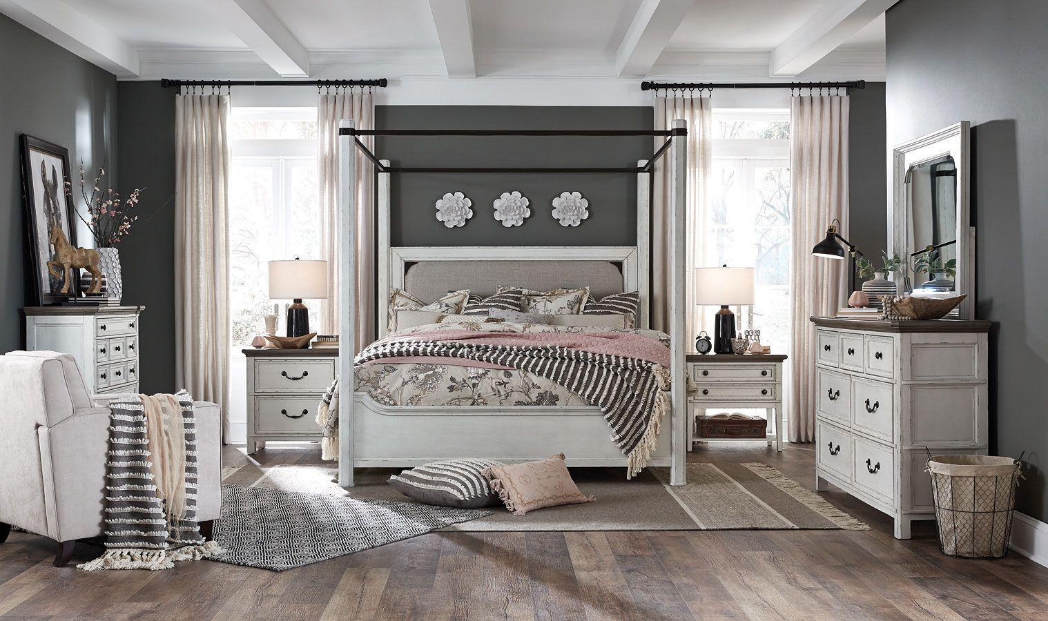 Bellevue Manor Canopy Bedroom Set Canopy bedroom sets